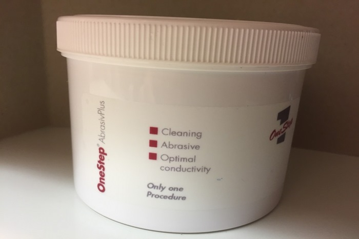 OneStep AbrasivPlus EEG-Gel, 500g jar. Applicable for routine EEGs, ECGs, LTM EEGs, evoked potentials and nerve stimulations.